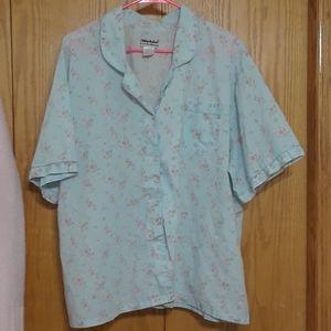 💛 Floral button up blouse